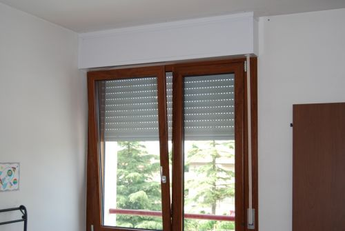 Finestre a battente e cassonetto in pvc