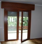 Infissi: porta-finestra a battente in pvc
