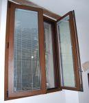 Veneziana interna al vetro di finestra in alluminio