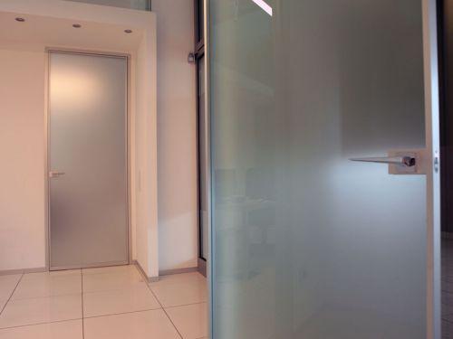 Porte da interno a battente in alluminio e vetro - Porte da interno con vetro ...