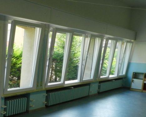 Infissi finestre fisse e vasistas in legno con maniglia laterale - Finestre apertura alla francese ...